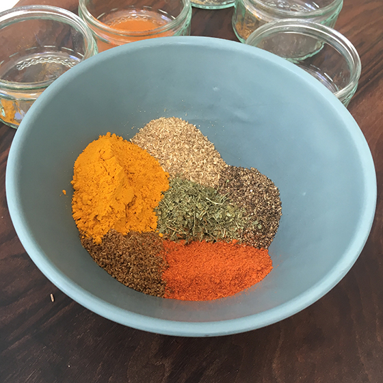 Combining spices into a mix
