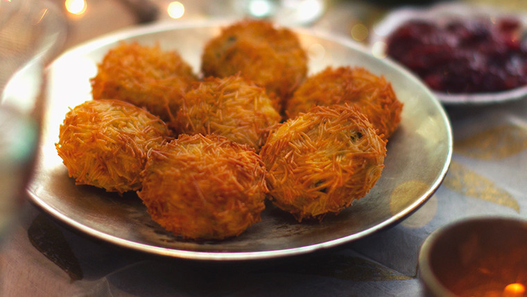 Fish Cakes with a Vermicelli Crunch