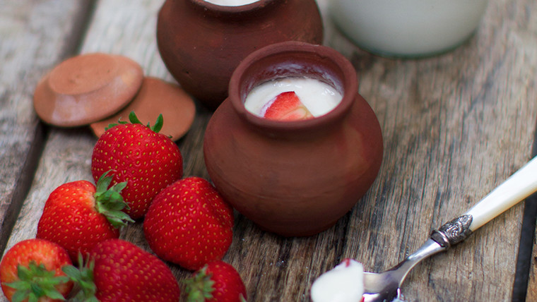 Strawberry Mishti Do