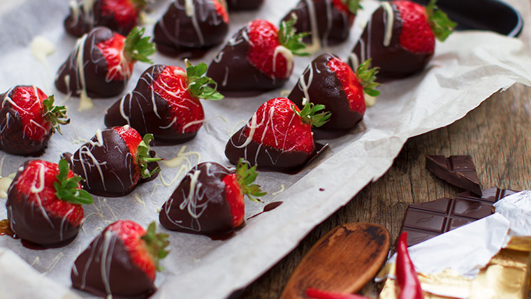 Strawberries Dipped in Chilli Chocolate